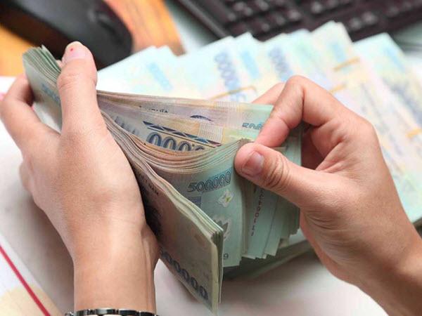 Vay tiền nóng bằng CMND – cách vay tiền mặt lãi suất ưu đãi nhất